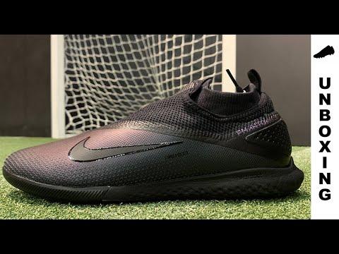 Condición previa Anécdota solamente  Nike Phantom Vision 2 React Pro DF IC Kinetic Black - YouTube