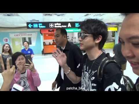เจมส์ จิรายุ - สนามบินภูเก็ตขาเข้า#1(13-7-57)By patcha_blue