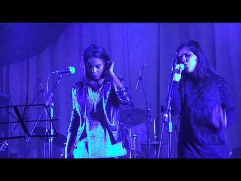 Bruna Souza  &  Gabriela Barros de Paula ( Christina Aguilera - Just A Fool )