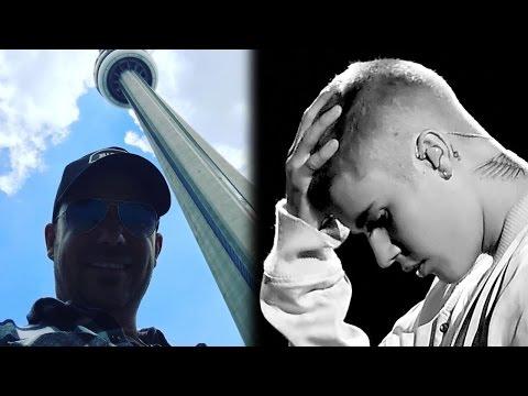 Justin Bieber SKINNY DIPS & Dad Compares Him To Orlando Bloom
