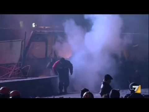Ucraina: europeisti di nuovo piazza, circa 200 i feriti