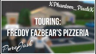 Touring XPhantom_PixelsX's Freddy Fazbear Pizzeria. (Roblox bloxburg)