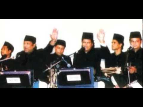 Chain Tumse kharar Tumse hai. Beautifully performed by Naseer Nazeer Warsi Party.