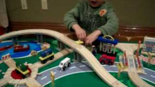 Kidkraft Waterfall Mountain Train Table
