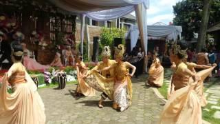 Kel. Besar TarusZ dalam acara Pesta Kebun Mario Wulan di Bandung 01 01 2017