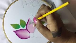 Cómo  Pintar Una Flor Sencilla  En Tela Con Cony