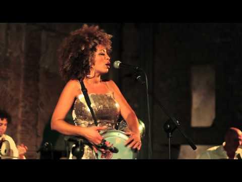 M'Barka Ben Taleb Ensemble - Yewi