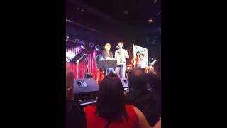 Jon Bon Jovi Runaway Tours 7-18-15 NY BED OF ROSES(Jon Bon Jovi in New York sings Bed of Roses with superfan!! Runaway tour July 18th 2015., 2015-07-19T03:02:03.000Z)