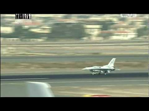 [HD] 2011 Dubai Air Show: F-16 UAE AF and JF17 demo's