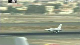 [HD] 2011 Dubai Air Show: F-16 UAE AF and JF17 demo