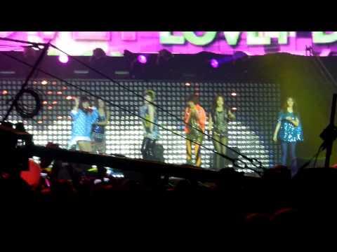 T-ara Lovey Dovey (2) - Music Bank in Paris