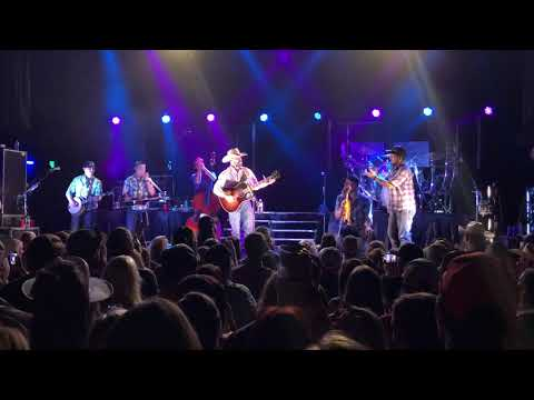 Cody Johnson - Country Classics Medley @ Del Mar Hall St Louis on 7/19/18
