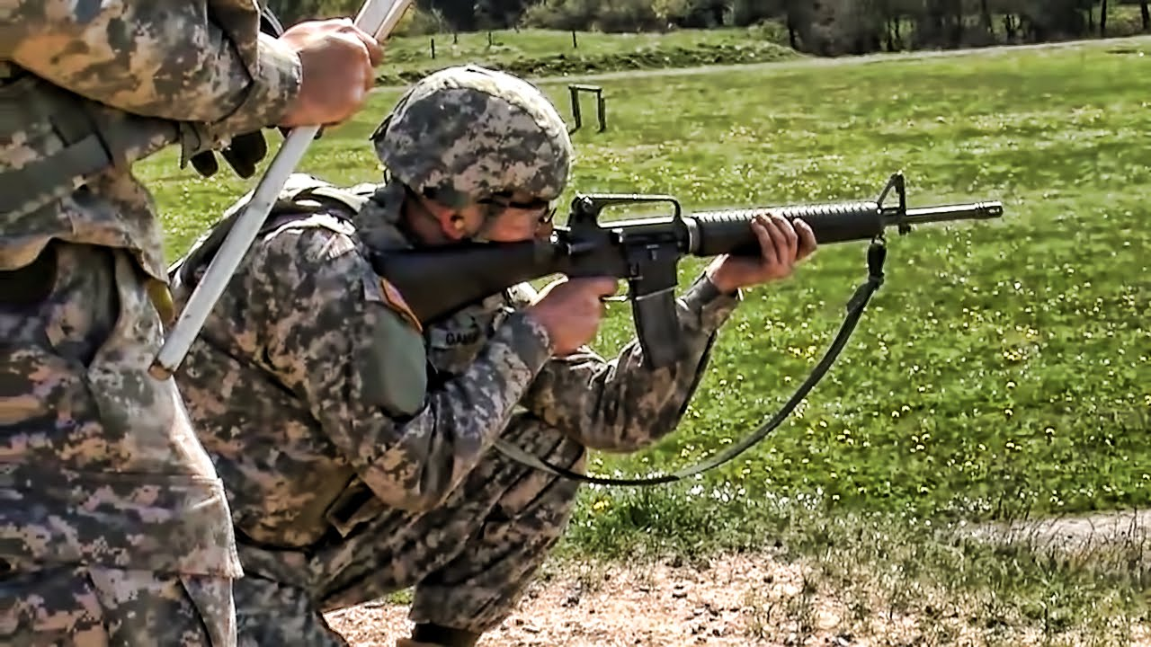 Us Soldiers M16 M9 Weapons Qualification Youtube