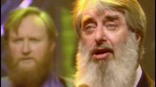 The Dubliners ft. The Pogues - The Irish Rover (Live, TOTP 1987)