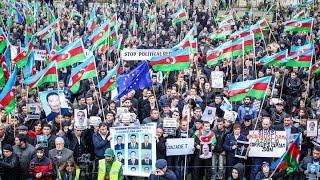 Митинг оппозиции в Баку: «Освободи!»(Митинг азербайджанской оппозиции, организованный Национальным советом демократических сил, состоялся..., 2014-11-09T19:09:42.000Z)