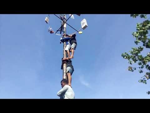 Panjat pinang tercepat di dunia (anak dewantara)