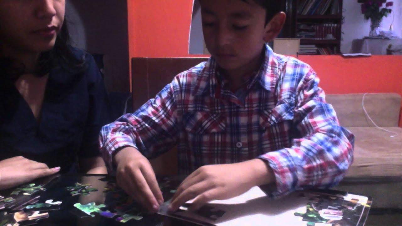 Jugando a aprender. Como acompañar a un niño a armar un rompecabezas-  Ejemplo - YouTube