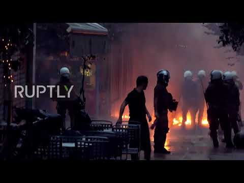 Greece: Police under fire in Athens demo