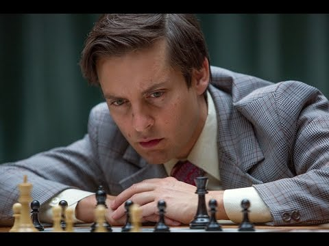 トビー・マグワイアが実在のチェスプレイヤーを怪演!映画『完全なるチェックメイト』予告編