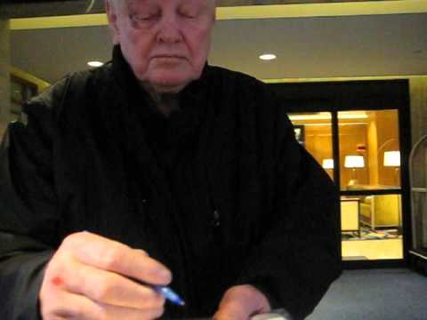 Sonny Jurgensen signs autographs for the SI KING 9-23-15
