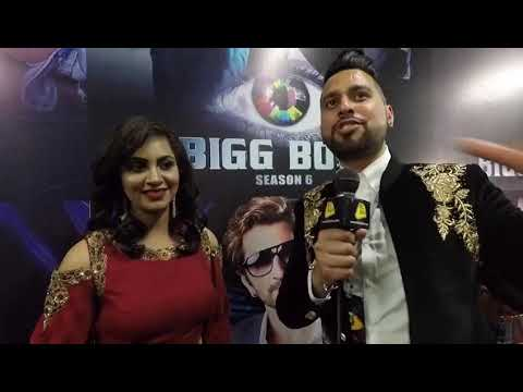 BizAsia's Raj Baddhan talks to Arshi Khan at 'Bigg Boss 11' finale'