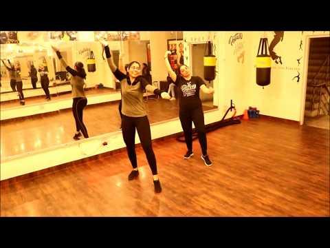 Diljit Dosanjh  Gulabi Pagg    Amazing Girls Bhangra Dance Steps  Sona Dance Fitness Studio
