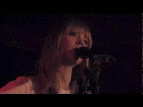 Lucy Rose - Night Bus - live @Luxor Köln 2013