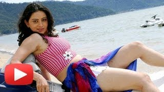 Repeat youtube video Hot And Happening Shruti Marathe In South Indian Films!