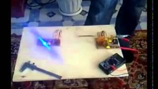 Передача электроэнергии на расстоянии(Извиняюсь за качество, видео было снято давно. Устройство было собрано для студенческой научной конференции., 2015-03-31T08:05:02.000Z)