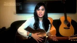 Yuk, Intip Koleksi Gitar Sheryl Sheinafia