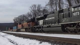 Penn Central leads NS 22W