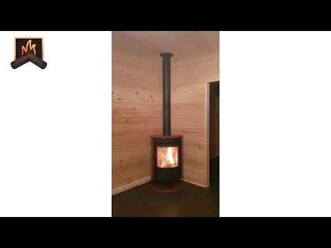 Легкий и современный печь-камин Stromboli N на дровах в деревянном доме: проект, монтаж под ключ