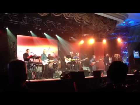 KEITH URBAN NEVER SEEN BEFORE PERFORMANCE W  DAVE LOGGINS A