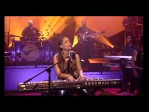 Alicia Keys live Woman