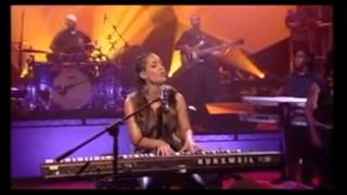 Alicia Keys live Woman