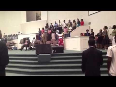 Here I Am To Worship - The Living Gospel Church Intl. Youth Choir