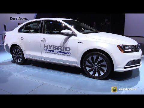 2015 Volkswagen Jetta SEL Hybrid - Exterior and Interior Walkaround - 2015 Detroit Auto Show