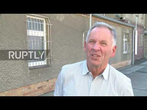 Germany: Russian tour guide leads public through former Stasi prison