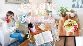 Today's video is a day in the life, showing you healthy habits i do every + an at-home workout and some simple recipes! don't forget to like ...