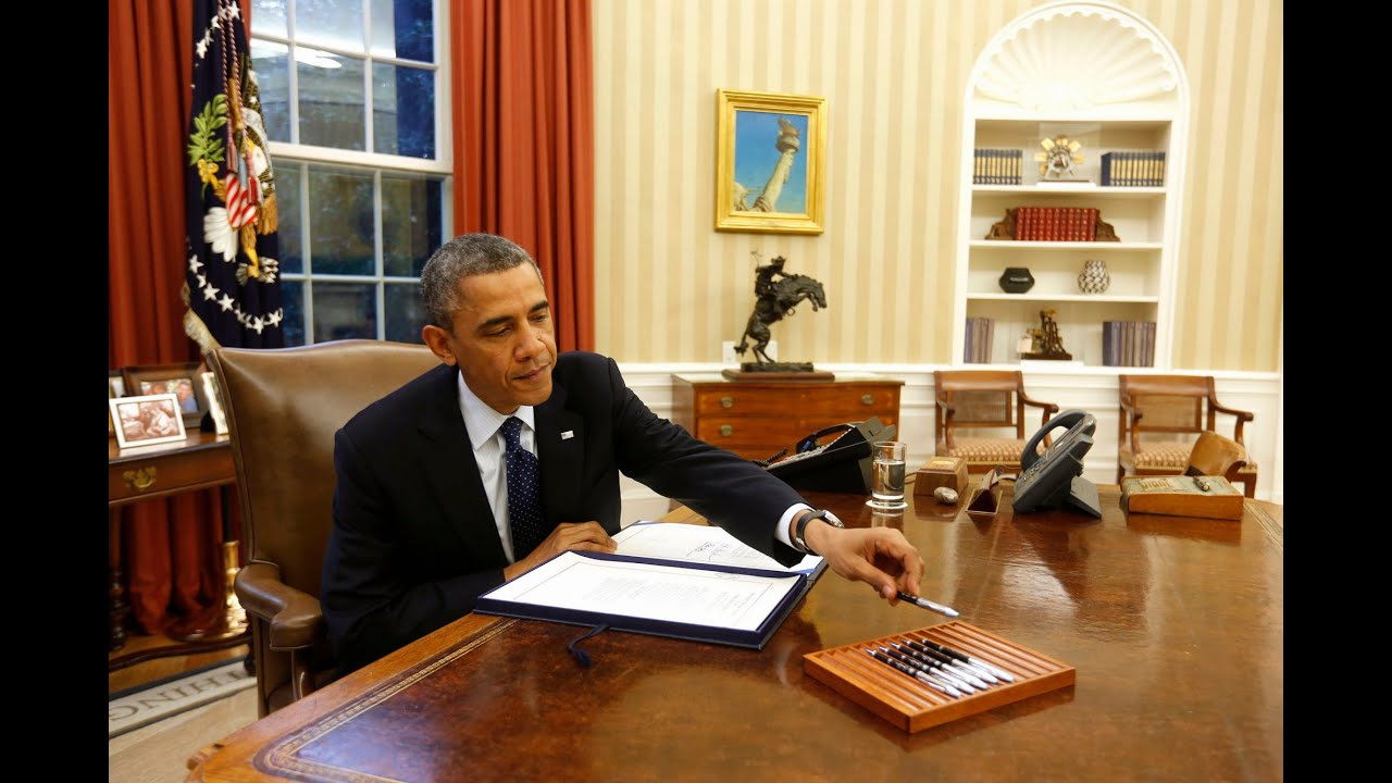 Donald Trump In Oval Office President Obama I Ve Got A Pen And A Phone Youtube