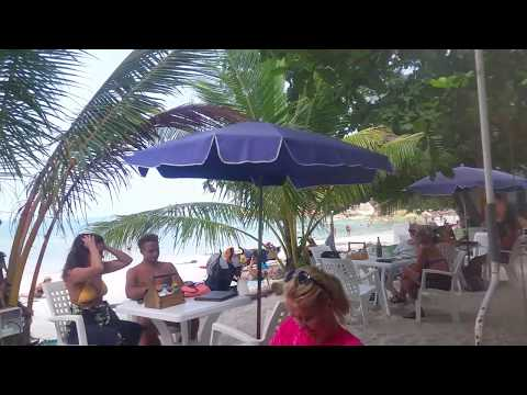 Restaurants and Bars on Crystal Bay on Koh Samui in Thailand