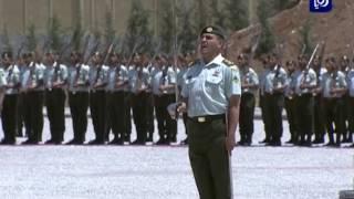 جلالة الملك يسلم علم القائد الأعلى إلى كتيبة جعفر بن أبي طالب الآلية - (8-5-2017)