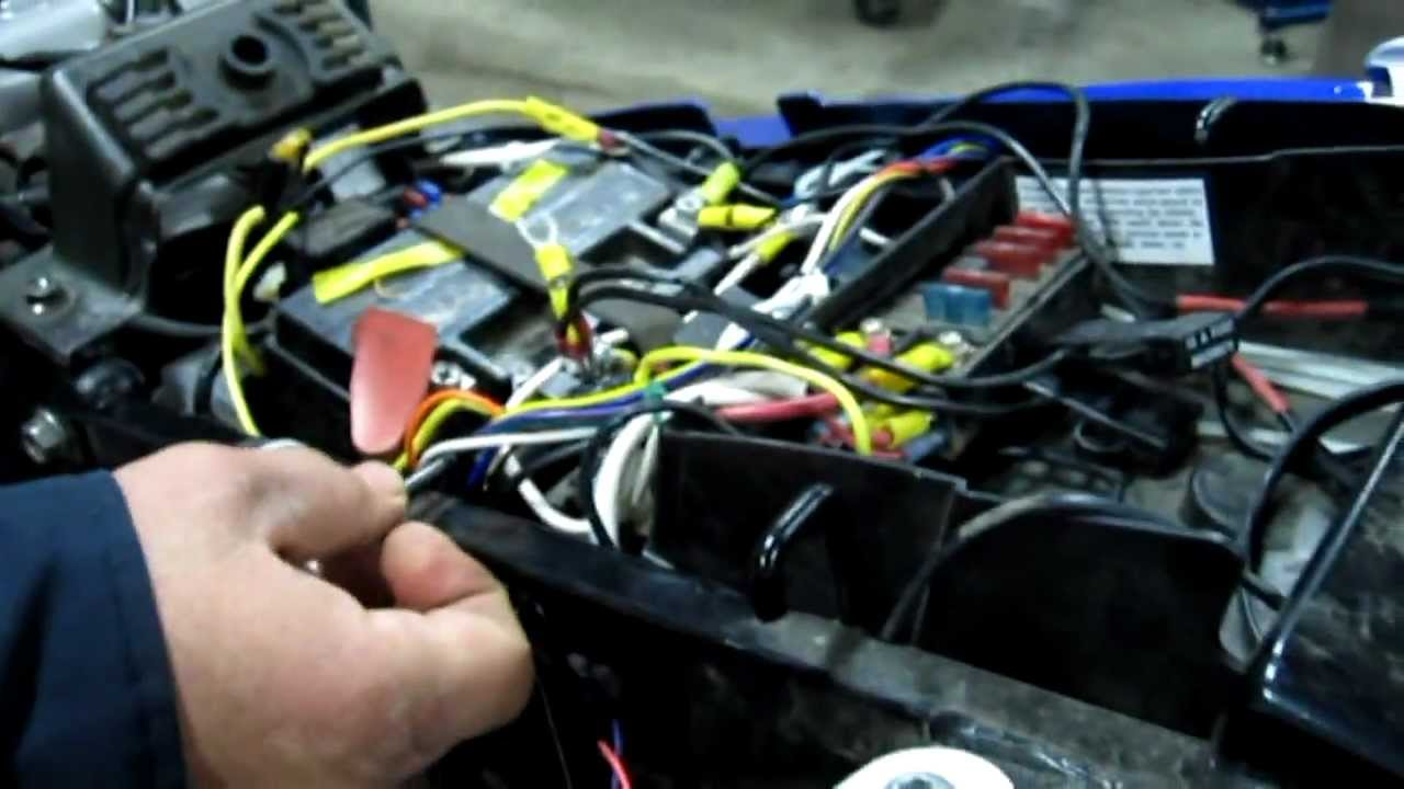 suzuki dl650 wiring nightmare youtube rh youtube com suzuki v strom 650 accessories suzuki burgman [ 1280 x 720 Pixel ]
