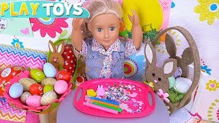 OG Baby Doll Decorate Surprise Eggs in Dollhouse Toys!