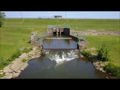 Mosquito Lake River Dam Cortland Ohio