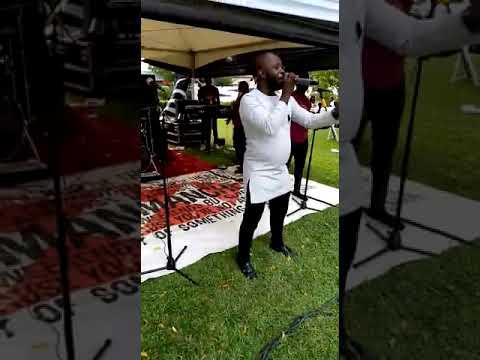 Download Ampofo Adjei Band ( Fa no Saa live)