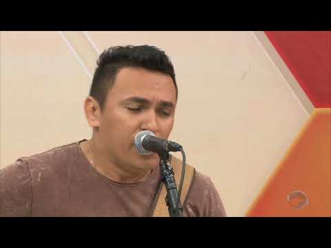 O melhor do voz e violão com o cantor Júnior Moraes