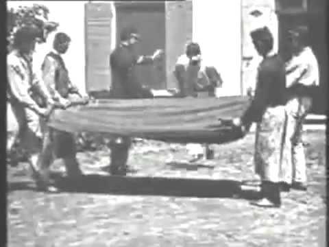 [1895 Film] Jumping the Blanket-LOUIS LUMIERE-Le saut a la couverture