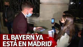 ATLÉTICO-BAYERN | Lucas paró con los fans en la llegada del Bayern a Madrid