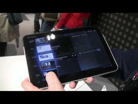 Motorola Xoom Tablet Hands On (silver version)